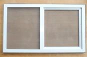 Verschlossener Schieberahmen als Insektenschutz für Velux- und Roto-Dachfenster in weiß