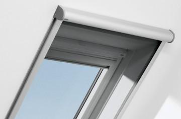 Klapp-Schwing-Fenster mit VELUX Insektenschutz-Rollo (ZIL)