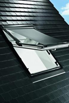 au enrollo f r wohndachfenster von roto wohndachfenster dachgauben einbau service. Black Bedroom Furniture Sets. Home Design Ideas