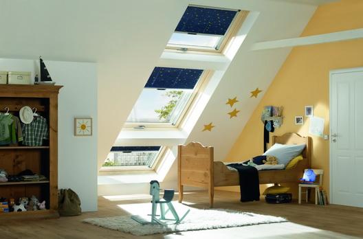 roto dachfenster 3er kombination unten und oben je ein r6. Black Bedroom Furniture Sets. Home Design Ideas