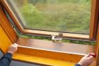 Die Bestellung von Roto MR Maßrneovierungsfenstern beginnt mit einem exakten Aufmaß