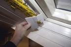 Mit Passleisten wir die Innenverkleidung mit dem Roto MR Maßrenovierungsfenster verbunden