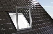Roto Designo R5 Wohndachfenster für Rauch- und Wärmeabzugsanlagen