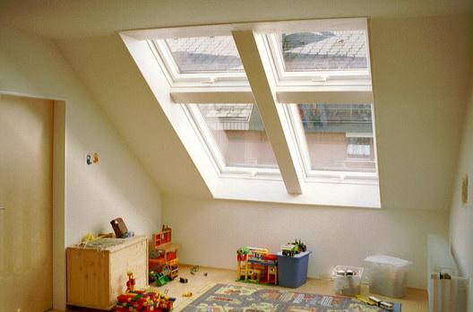 Licht und Raumgewinn mit Roto Wohndachfenster 4er Kassette