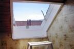 Roto H3 Fenster im Bad, der Flügel ist ausgebaut.