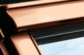 Außenansicht des VELUX Dachfensters in Kupfer