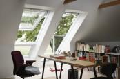 VELUX CABRIO™: Mehr Licht, mehr Luft, mehr Lebensqualität - Öffnung des Dachfensters zu einem Minibalkon