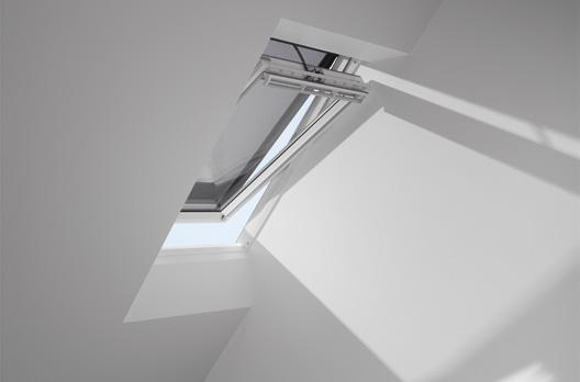 VELUX INTEGRA Elektro- oder Solar-Hitzeschutz-Markise (MML/MSL)