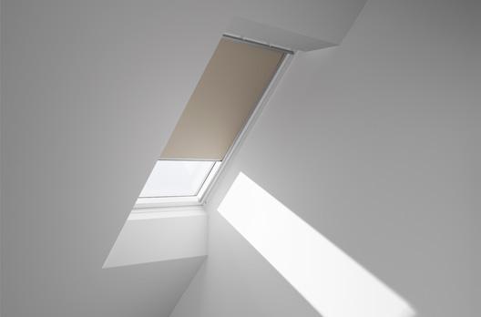 velux manuelles verdunkelungs rollo dkl farbe 2003 beige. Black Bedroom Furniture Sets. Home Design Ideas