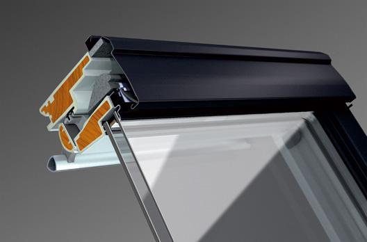 Detail: Schnittbild des VELUX Kunststoff-Fensters oben, verbesserte Wärmedämmung durch ThermoTechnology, zusätzliche Dämmelemente im Fensterflügel und wärmebehandeltes Holz.